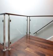 Стъклени стъпала